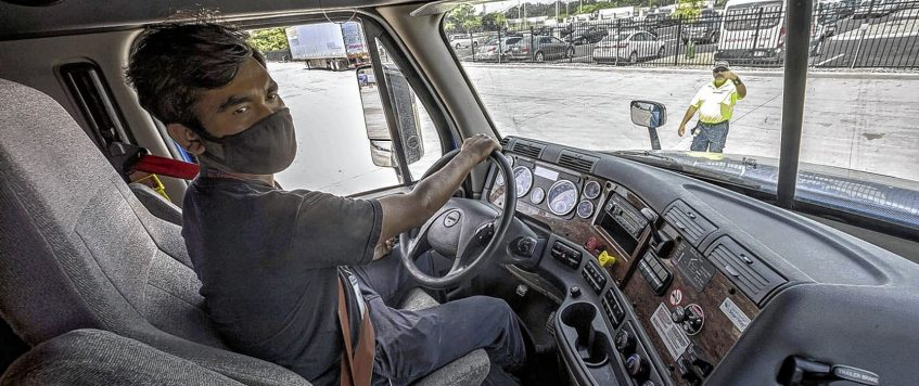 US Trucking Companies Boost Pay in Hunt for Drivers as Demand Surges